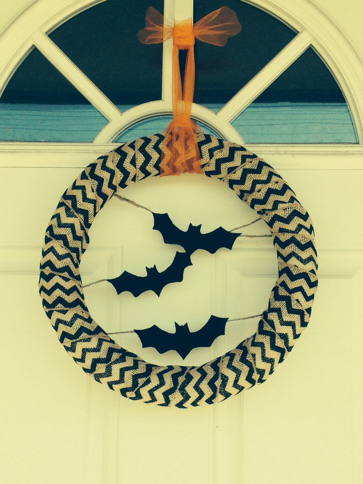 Bat Wreath Inspired by Tatertots and Jello *Photo is not my property but the source is unknown.
